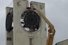 Установка часов на Центральной площади