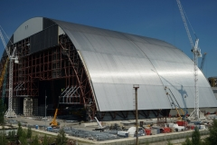 Installation of the New Safety Confinement Arch